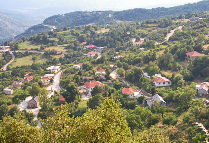 """MUNICIPALITY OF EAST ZAGORI – PREFECTURE OF IOANNINA  -Reformation study of traditional settlement """"Liapis"""""""